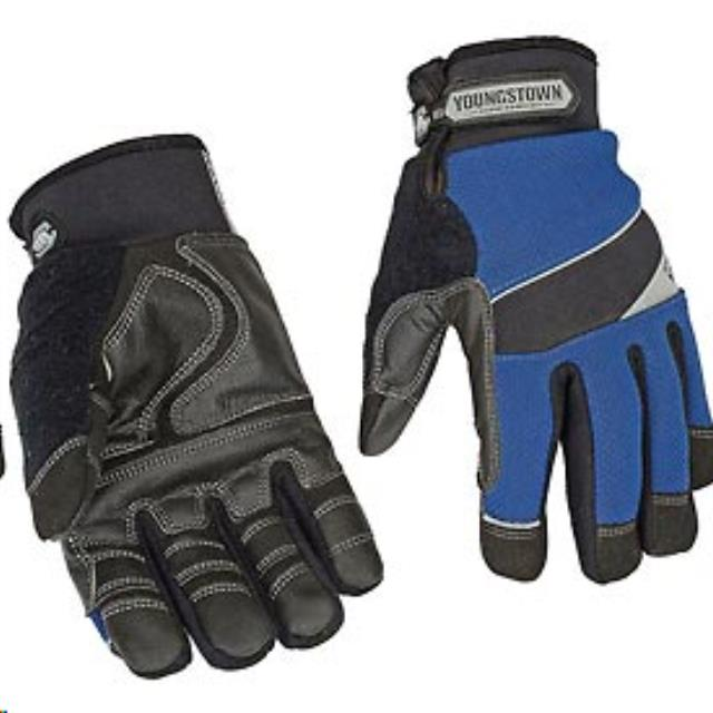 Where to find GLOVES, GEN. UTILITY W  KEVLAR - MED. in Reading
